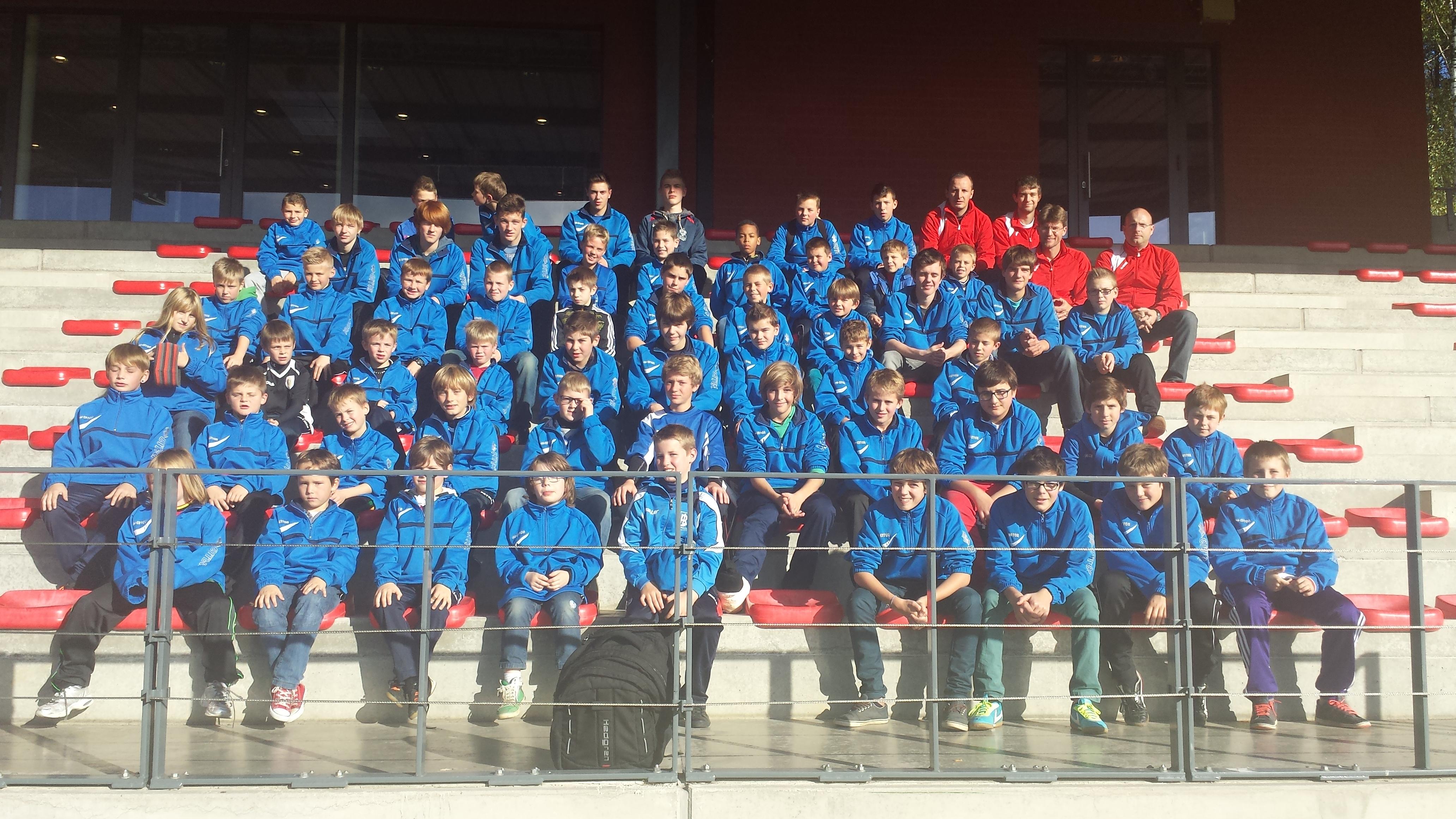 Het Laatste Nieuws: 'Jonge doelmannen op bezoek bij voetbalclub Standard Luik'